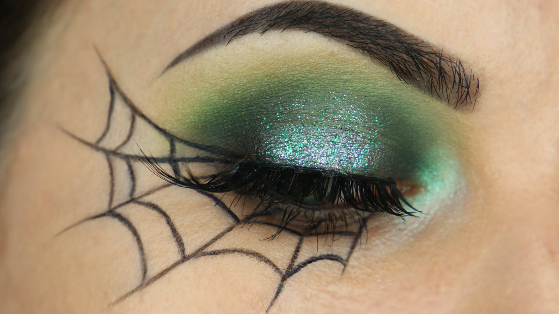 halloween eye makeup ideas to try this year