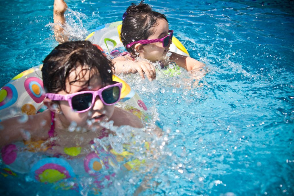 Kids pool party picure